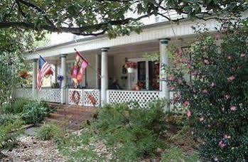 The Twin Magnolias Bed & Breakfast