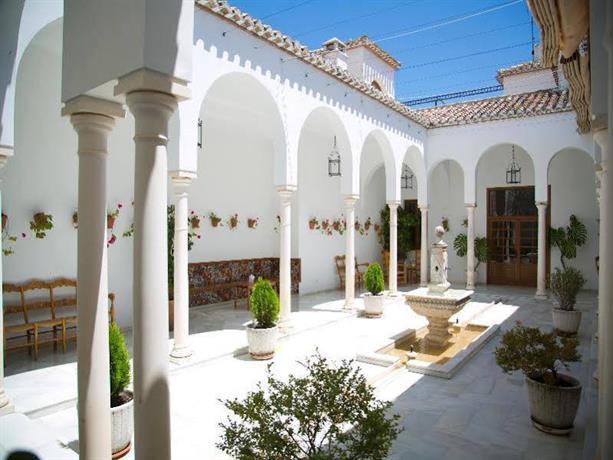 Villa turistica de priego hotel priego de cordoba for Hotel rio piscina priego de cordoba