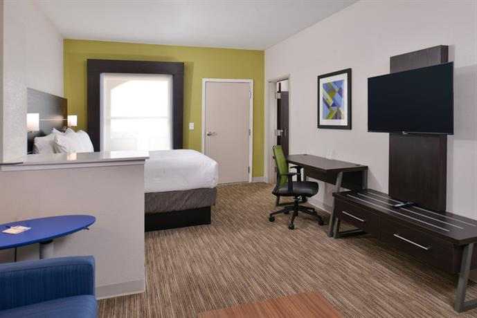 Holiday Inn Express & Suites Corpus Christi N Padre Island  pare Deals