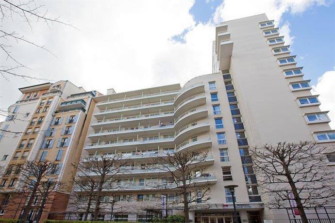 Séjours & Affaires Grande Arche Courbevoie