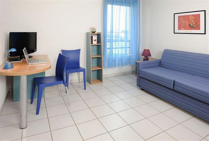 sejours affaires park republique clermont ferrand. Black Bedroom Furniture Sets. Home Design Ideas