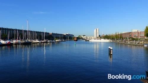 Houseboat reussi amsterdam confronta le offerte for Houseboat amsterdam prezzi