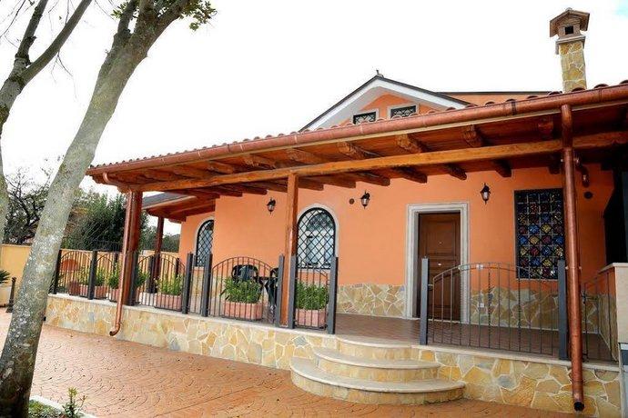 Il piccolo borgo valmontone comparez les offres for Il piccolo hotel progetta le planimetrie