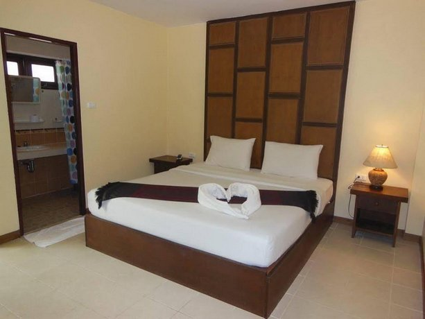 Guest Friendly Hotel in Koh Chang - Paddy's Palm Resort