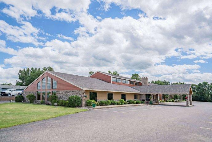 AmericInn Lodge & Suites Detroit Lakes