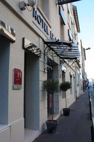 Hôtel Le Dauphin Puteaux