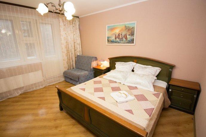 Rjadom S Gorbushkoj Apartments