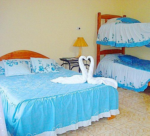 Cabinas El Pueblo Bed And Breakfast