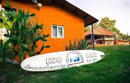 Panama Surfing Academy and Hotel Rio Mar
