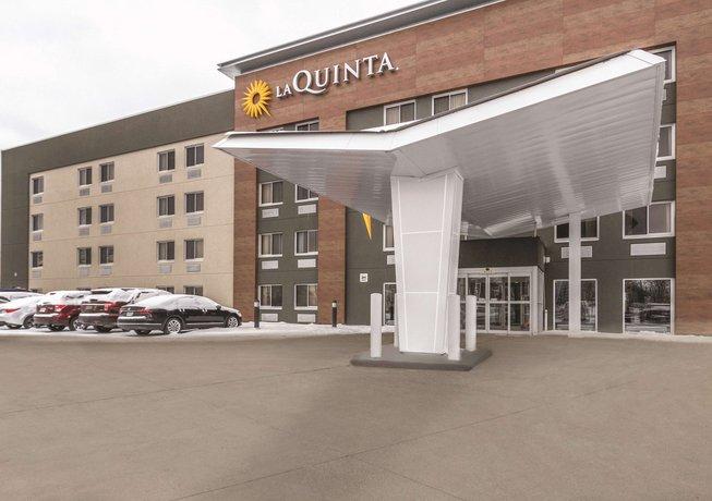 La Quinta Inn & Suites Cleveland - Airport North
