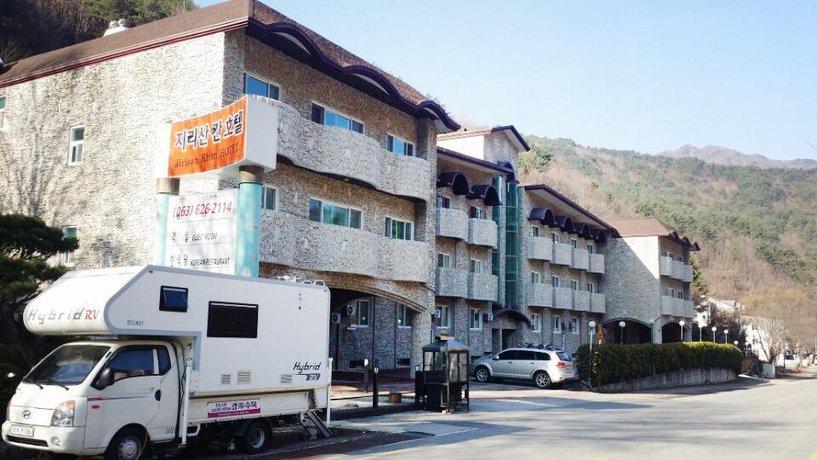 Jirisan Khan Hotel
