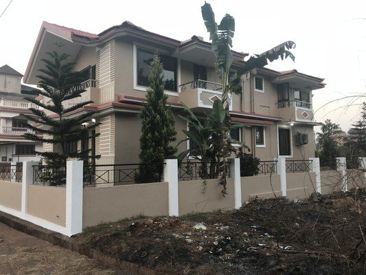 D'souza Lakeview Villa 5BHK for Large Group Stay