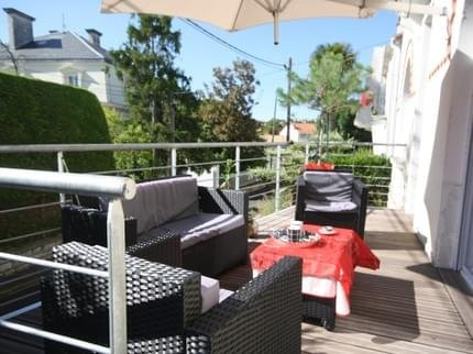 Chambres d'Hotes Royan Centre - Compare Deals on