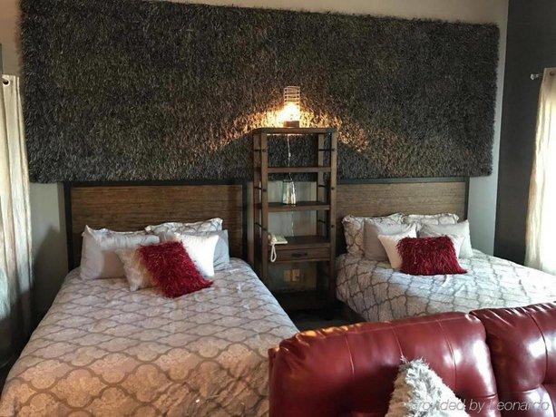 River Hills Hotel- Mankato