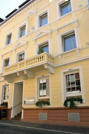 hotel markgrafler hof freiburg im breisgau compare deals. Black Bedroom Furniture Sets. Home Design Ideas