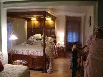 Truman Gillet House Bed & Breakfast