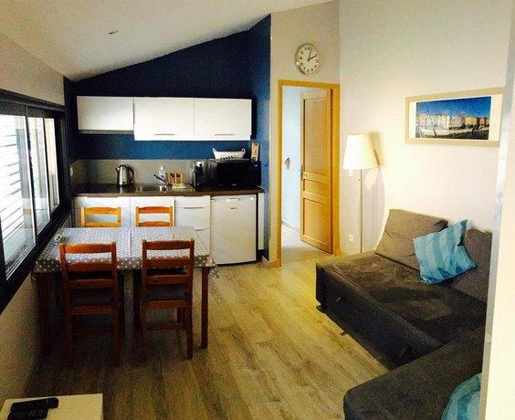 maison d 39 hotes cote saone lyon compare deals. Black Bedroom Furniture Sets. Home Design Ideas