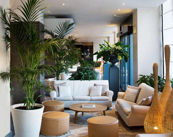 Starhotels excelsior bologna compare deals for Hotel design bologna