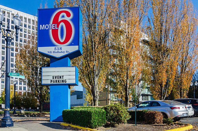 Motel 6 Portland Downtown
