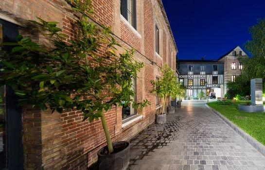 Hotel La Licorne & Spa, Lyons-la-Foret - Compare Deals