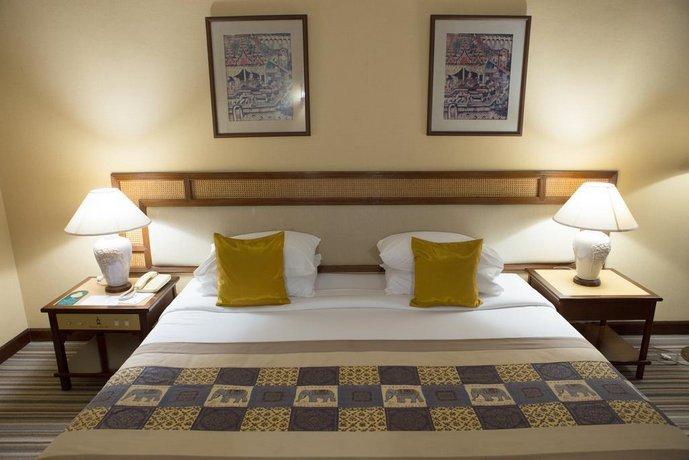 Chiangmai Plaza Hotel Chiang Mai Compare Deals