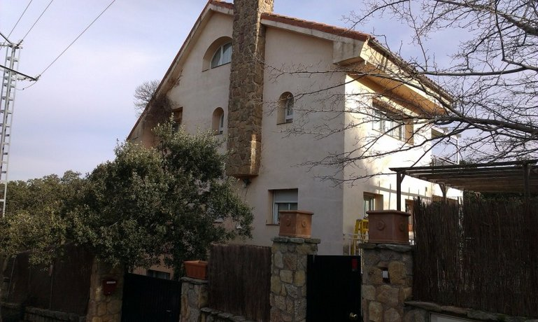 Homestay in Las Rozas de Madrid near Las Matas Railway Station