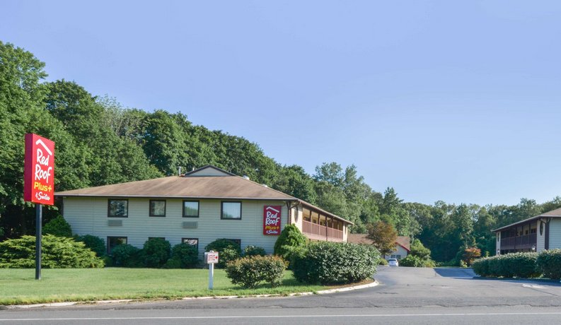 Red Roof Inn PLUS+ & Suites Guilford