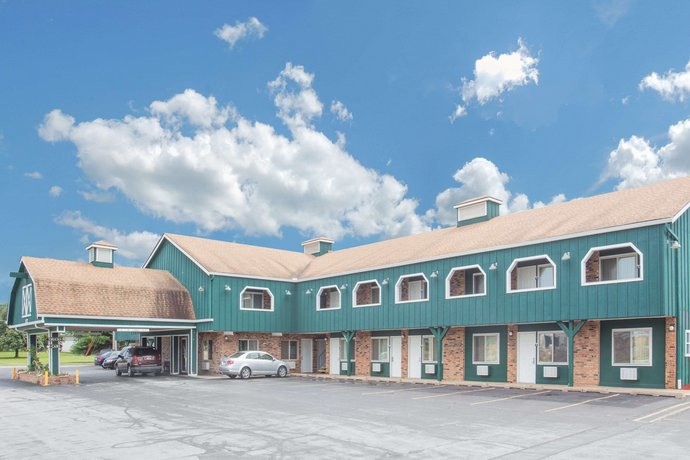 Days Inn & Suites by Wyndham Davenport Davenport
