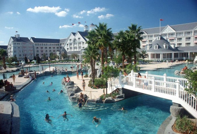 About Disney S Yacht Club Resort