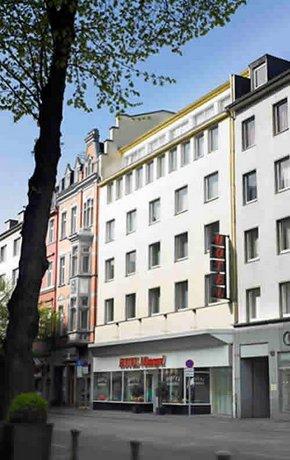 Monopol Hotel Dusseldorf