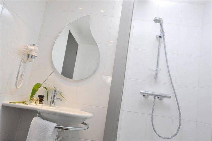 hotel eden park pau bizanos compare deals. Black Bedroom Furniture Sets. Home Design Ideas