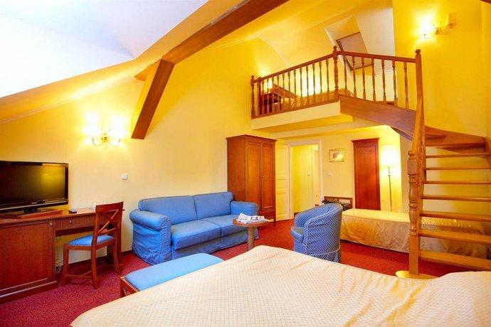 Hotel Louis Leger, Prague - Compare Deals
