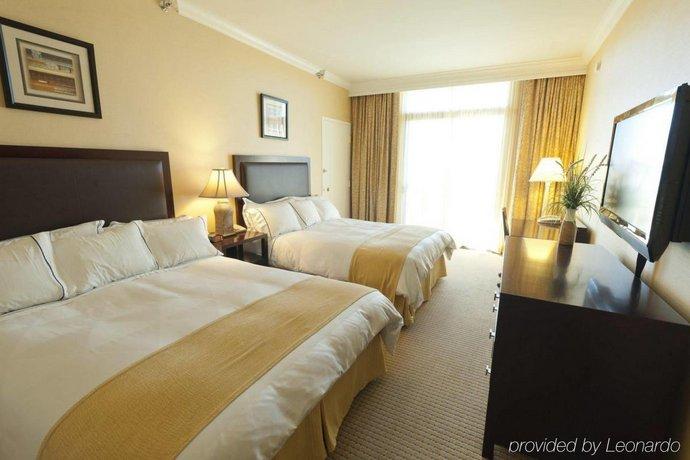 About Radisson Hotel Newport Beach