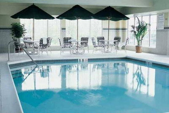 Country Inn & Suites by Radisson Newark Airport NJ