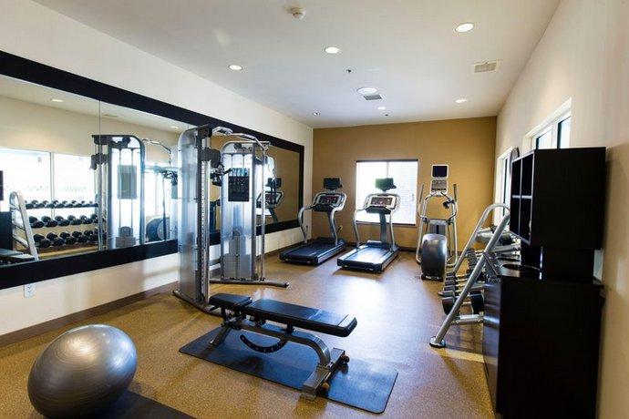 Hilton Garden Inn Grand Forks Und Compare Deals