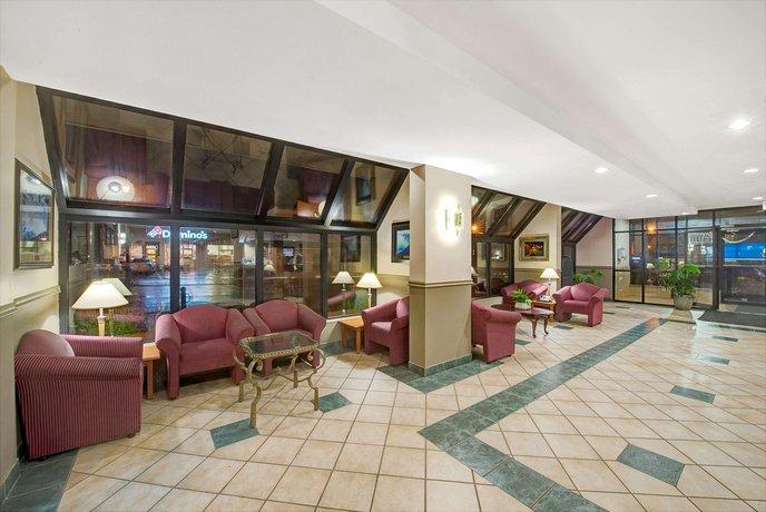 Super  Niagara Falls Fallsview District Hotel