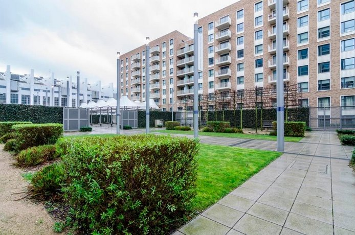 Luxury 2 Bed Apartment in Wembley