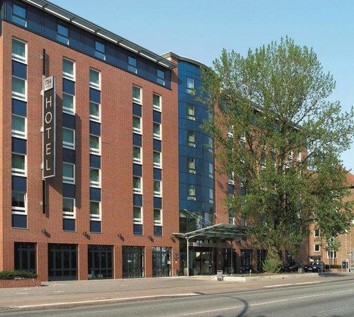 find hotel in altona hotel deals and discounts findhotel. Black Bedroom Furniture Sets. Home Design Ideas