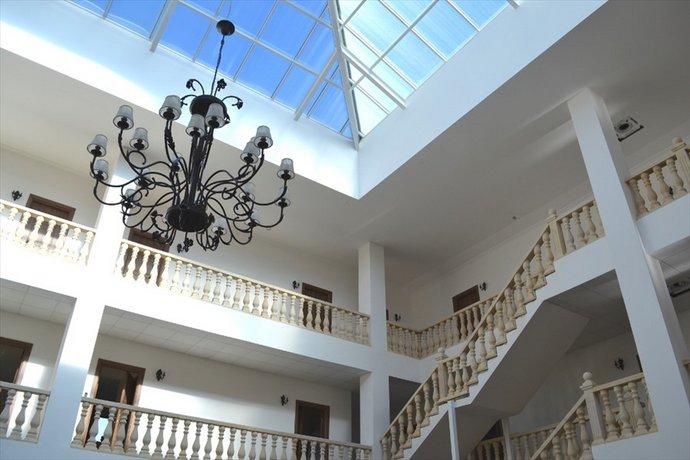 Lucette Guest House