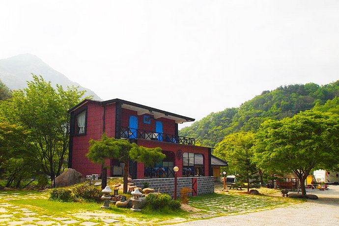 Hadong Danchon Camping place pension