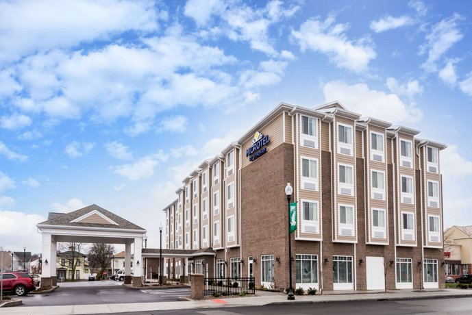 Microtel Inn & Suites Penn Yan Finger Lakes Region