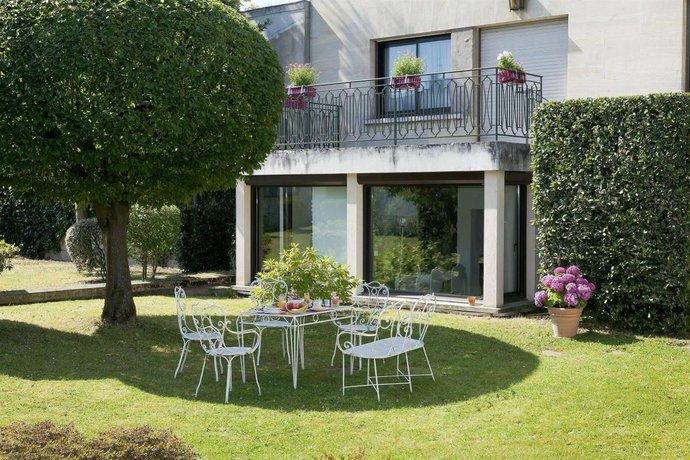 hotel the originals boutique rueil la defense rueil. Black Bedroom Furniture Sets. Home Design Ideas