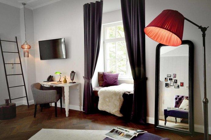 syte hotel mannheim. Black Bedroom Furniture Sets. Home Design Ideas