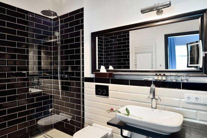 syte hotel mannheim die g nstigsten angebote. Black Bedroom Furniture Sets. Home Design Ideas