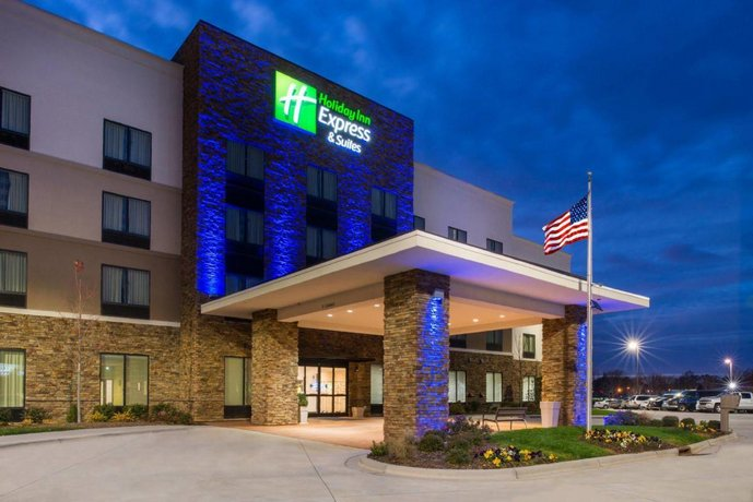 Holiday Inn Express & Suites Monroe Monroe