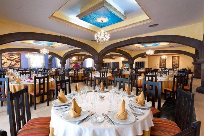 Grand Hotel Callao Family Room