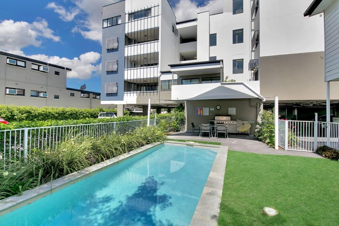 kangaroo point central hotel apartments brisbane compare deals rh hotelscombined com