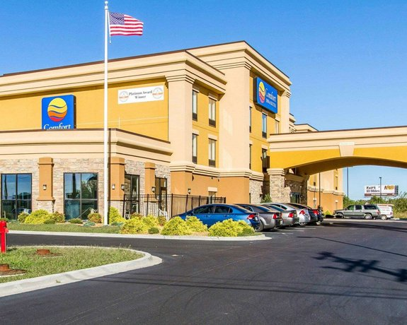 Comfort Inn & Suites Fort Campbell
