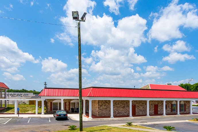 Rodeway Inn and Suites Orangeburg