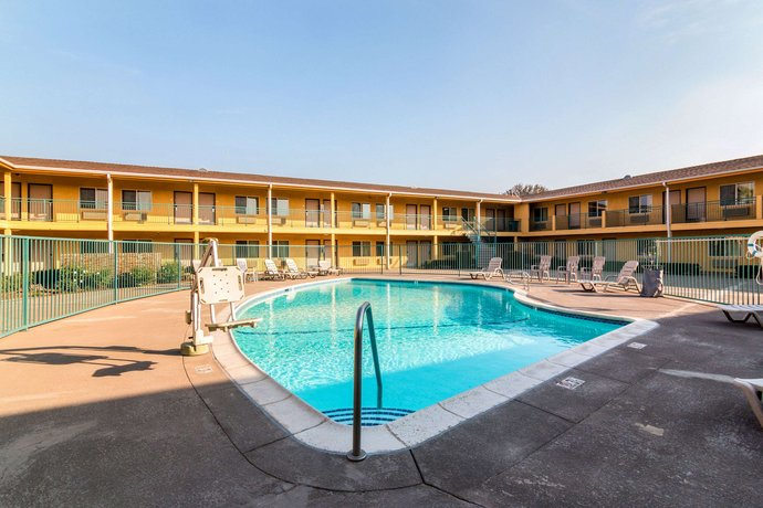 Quality Inn & Suites Bakersfield California